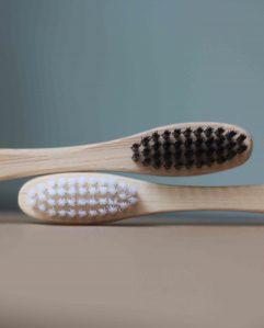 tandenborstels-zwart en wit